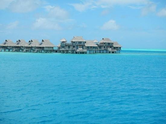 Hilton Bora Bora Nui Resort & Spa : Arriving to Hilton!
