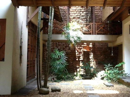 Highbury Colombo: Living room