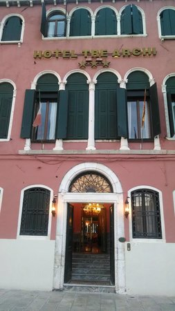 Hotel Tre Archi: Front of hotel
