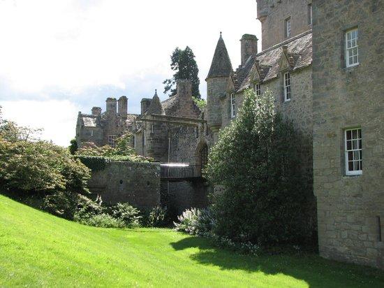 WOW Scotland Tours: Cawdor Castle