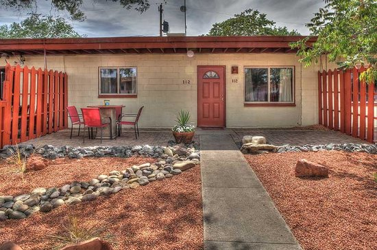 Red Rock Motel : 2 Bedroom Patio