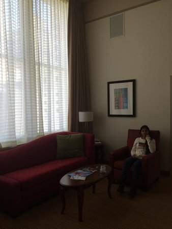 Residence Inn Milwaukee Downtown: living