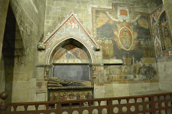 Catedral Nueva: Tomb and paintings at Salamanca Cathedral.