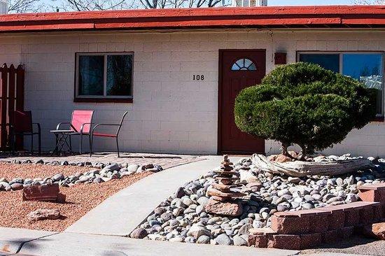 Red Rock Motel : Patio