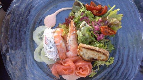 Cobo Bay Restaurant & Beach Terrace: Tasty and generous starter