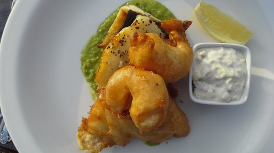 Cobo Bay Restaurant & Beach Terrace: Fish a la Cobo Bay. A wonderful experience.