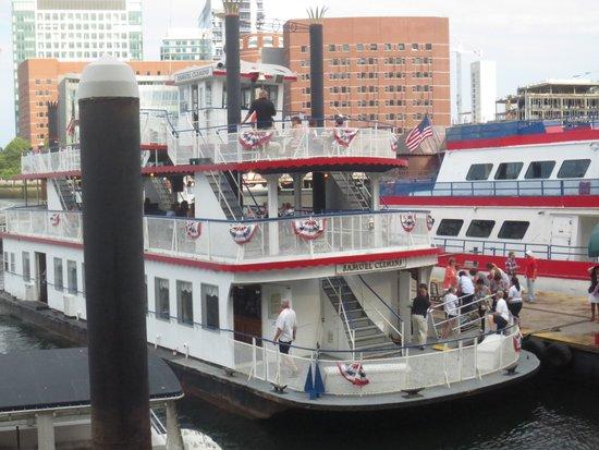 Boston Harbor Cruises : Harbor Cruise vessel