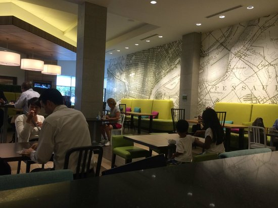 Home2 Suites by Hilton Philadelphia - Convention Center, PA: Lobby / Breakfast Area