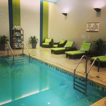 Home2 Suites by Hilton Philadelphia - Convention Center, PA : Pool (Small, but nice!)