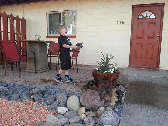 Red Rock Motel: Having Fun-Cooling Off