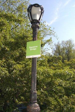 Central Park: Gapstow bridge sign