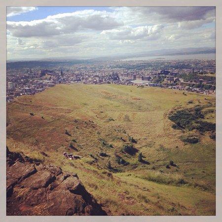 Arthur's Seat: Edinburgh desde la cima.