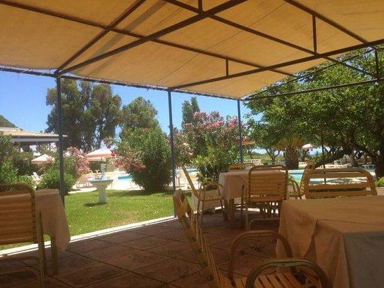Irinna Hotel: Pool Bar