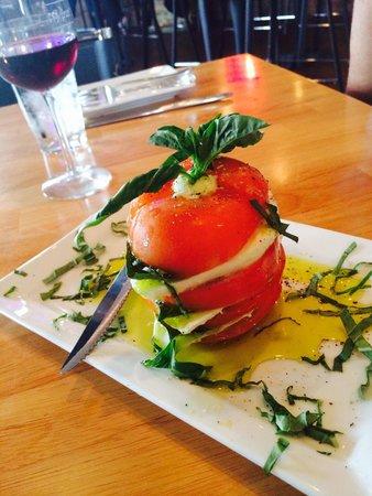 Cotto A Legna: Caprice salad