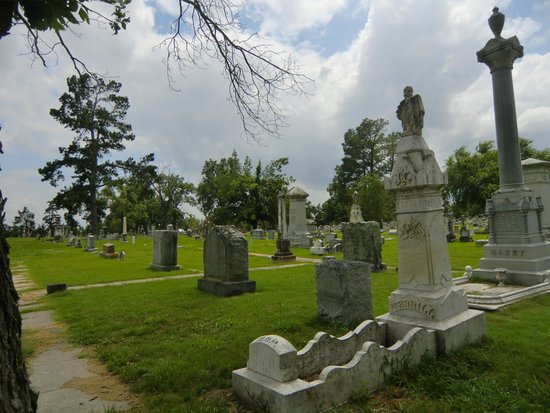 ‪Evergreen Cemetery‬