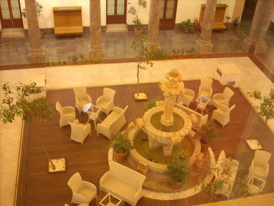 Grand Hotel Piazza Borsa : Atrium