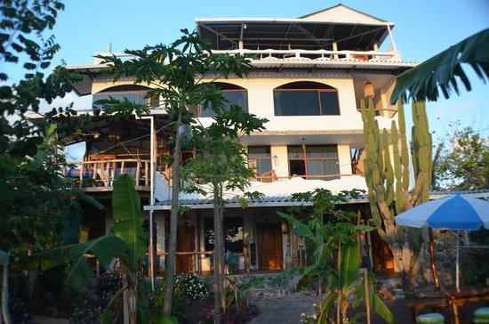 Casa Playa Mann Galapagos : Casa Paya Mann Front view