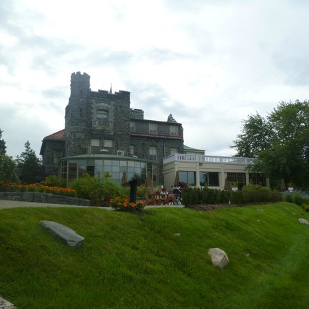 Tarrytown House Estate on the Hudson: View from the pool