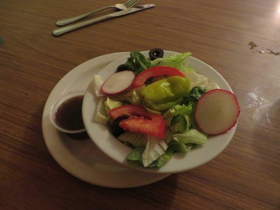 Guy's Italian Restaurant: salad