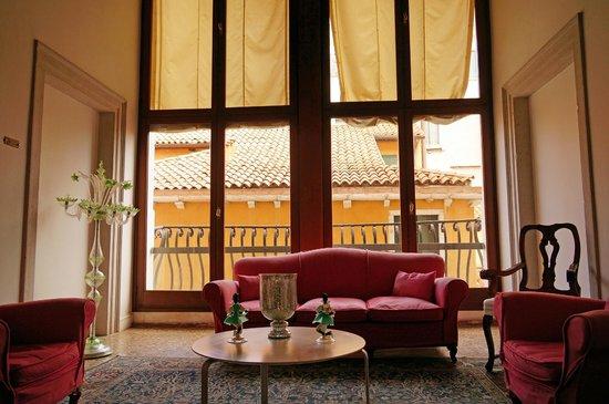Palazzo Contarini della Porta di Ferro: Lovely