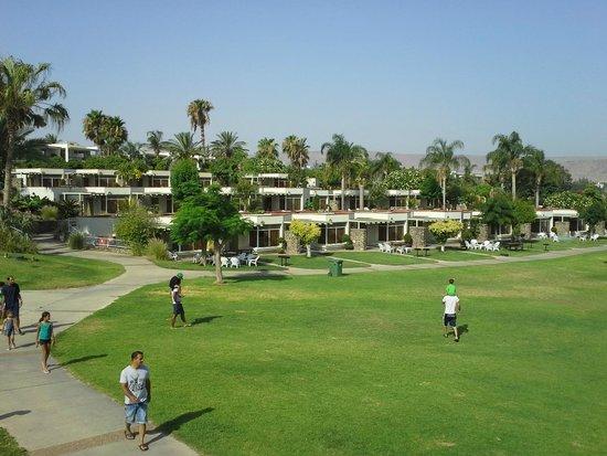 Maagan Kibbutz Holiday Village : view of rooms
