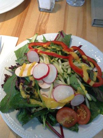 Leonhard's Cafe & Restaurant: Fresh Salad