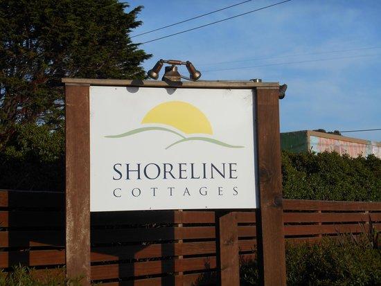 Shoreline Cottages: Entrance sign