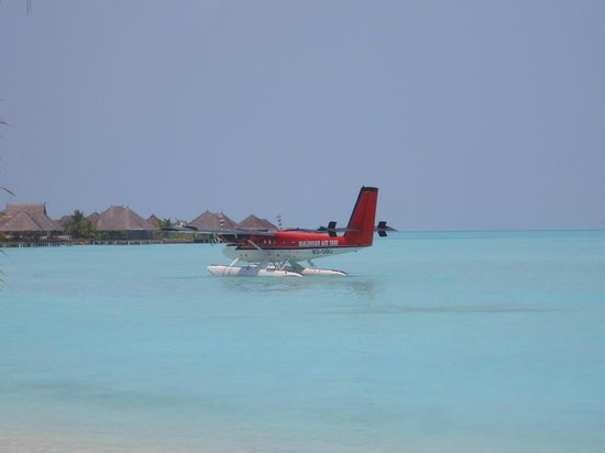 Taj Exotica Resort & Spa: 水上飛行機