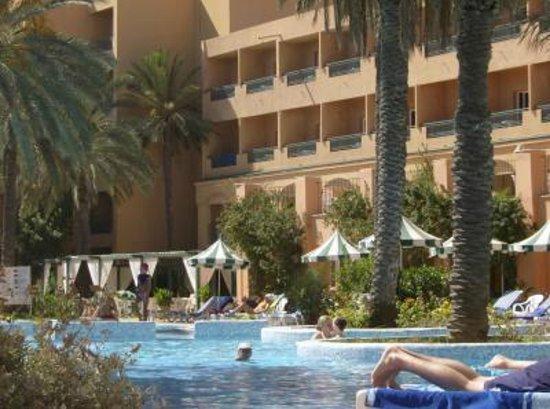 Hotel Vendome El Ksar Resort & Thalasso : vue piscine journée