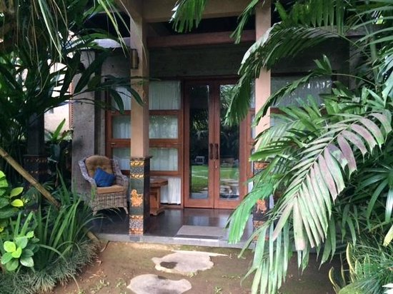 Villa Arya Ubud : View of the front door of room/ front porch