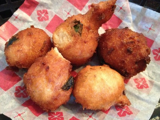 Pig & Chick: Best Hushpuppies I'ver Ever Had!