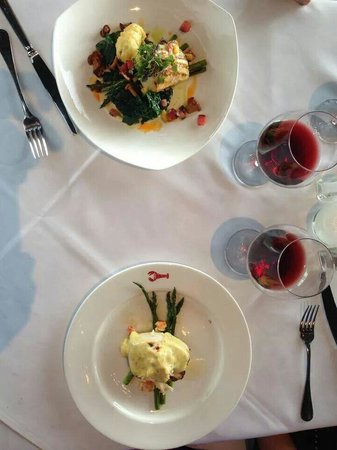 Joe Muer Seafood: Dining at it's finest!
