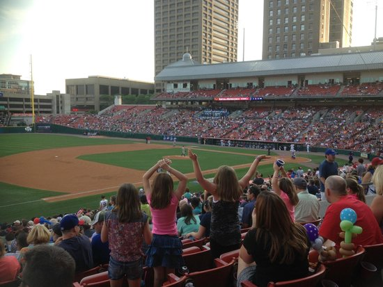 Adam's Mark Buffalo: Bisons Game