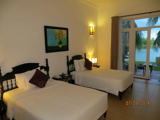 Hoi An Beach Resort: Riverview room