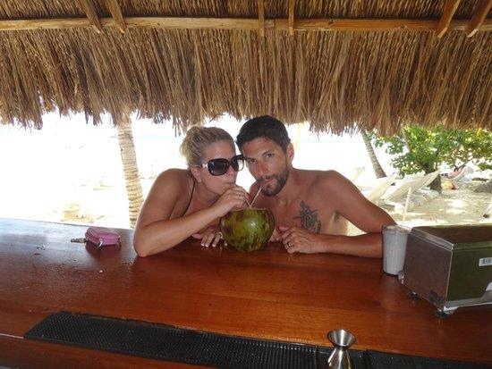 Couples Swept Away: beach bar