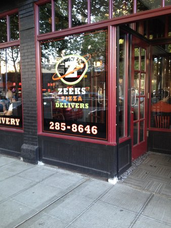 Zeek's Pizza: outside Zeeks Pizza in Seattle near the Space Needle