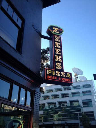 Zeek's Pizza: Zeeks Pizza