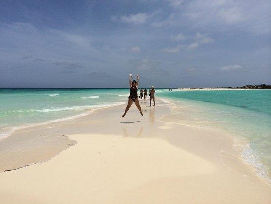 Cayo de Agua: Saltando de felicidad