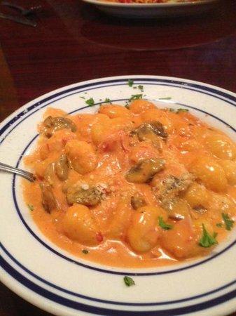 Castiglia's Italian Restaurant and Pizzeria: Yummy gnocchi