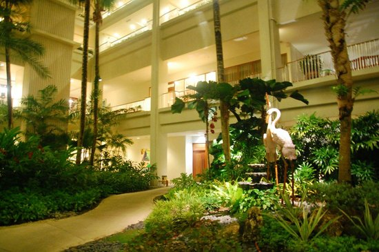Shangri-La's Mactan Resort & Spa: Indoor garden