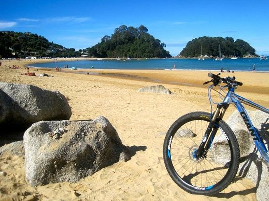 Kaiteriteri, Nueva Zelanda: Where better to start or end a ride..?