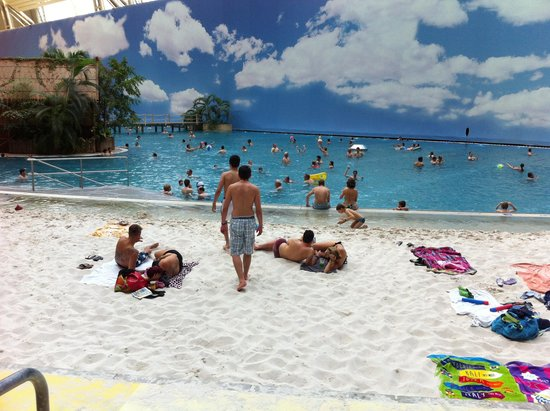 Tropical Islands Resort : Praia artificial