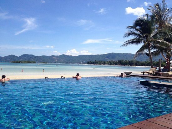 Baan Haad Ngam Boutique Resort & Villas : the beautiful infinity pool