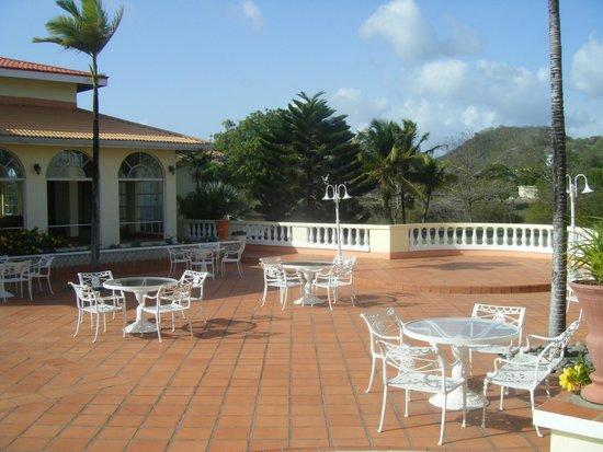 Grenadian by Rex Resorts : Courtyard area