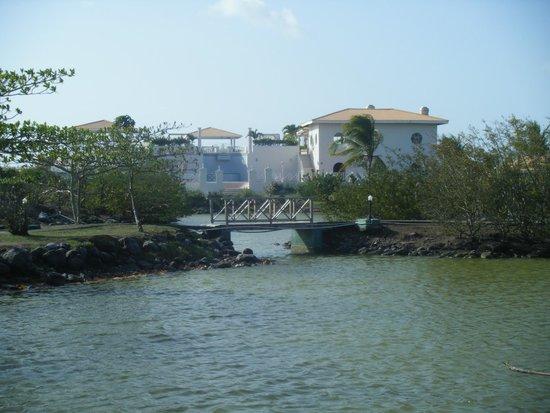 Grenadian by Rex Resorts : Hotel Lagoon area