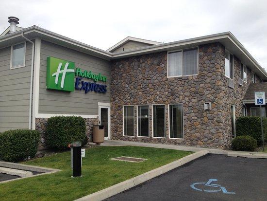 Holiday Inn Express Lewiston: room pic