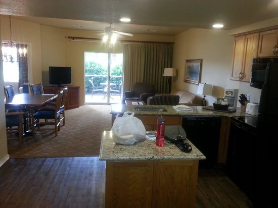 Wyndham Branson at The Meadows : When I opened the door, I was blown away by the size of the living room/kitchen area. T