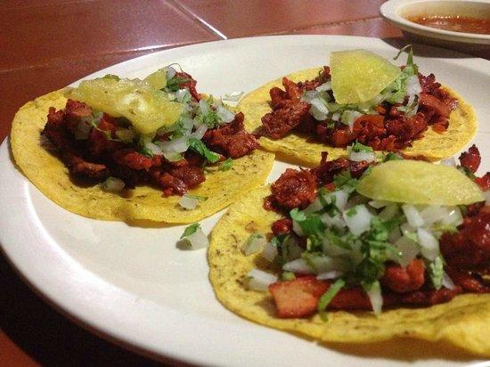 Las Varengas: Tacos al pastor.