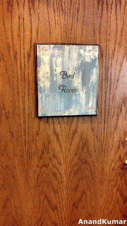 Iris Inn: Bird Room