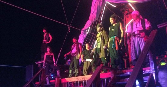 Barco Pirata Jolly Roger Cancún: Bad pirates